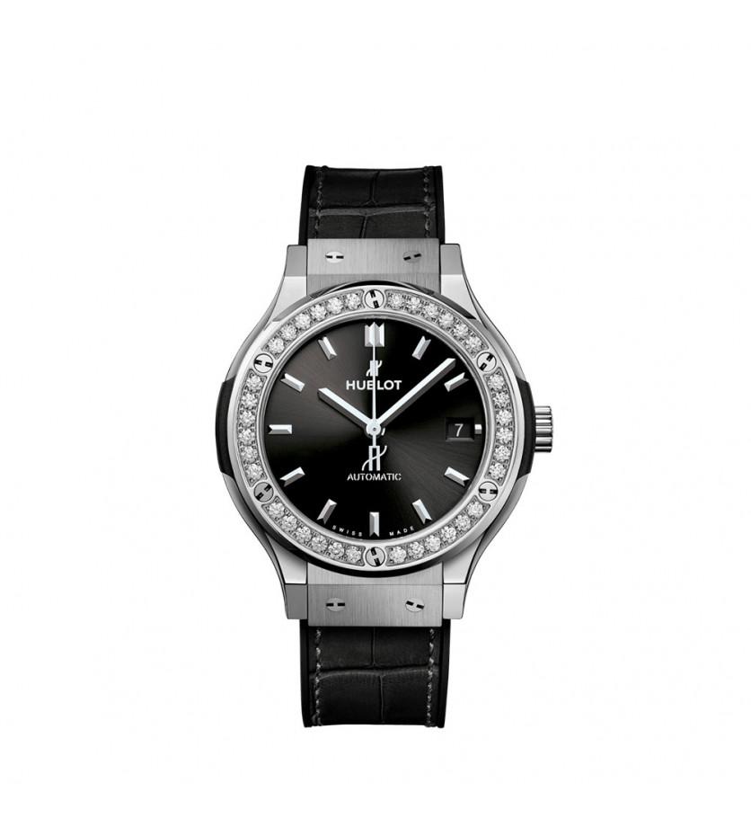 Montre classic fusion titanium diamonds 38 mm