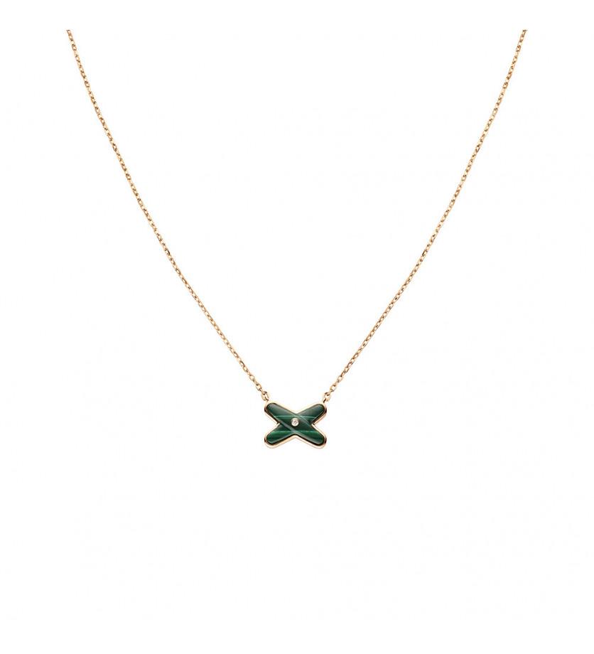 CHAUMET Pendentif Jeux de Liens malachite, un diamant, sur chaîne en or rose 42cm, ajustable